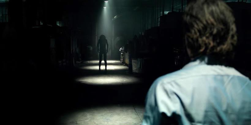 Quot Lights Out Quot 2016 Summer Horror Escapism At Its Best